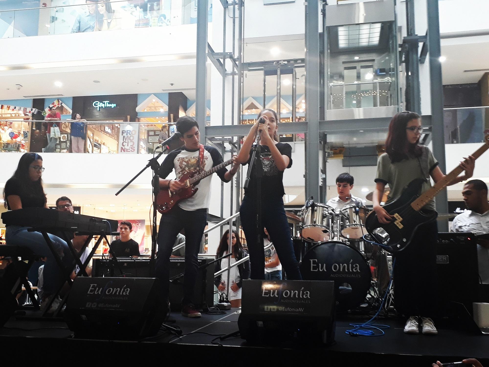 School of Rock en Atrio Mall
